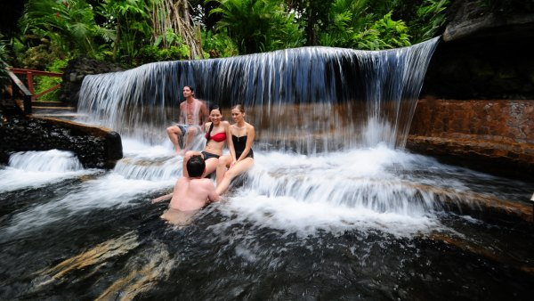 2-tabacon-hot-springs-89abb2ad-795e-4f97-8fb0-586c11d31a89