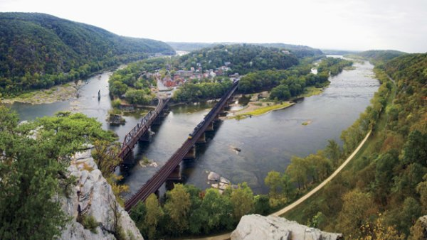 harpers-ferry-wv-at-the-confluence-of-the-potomac-shenandoah-rivers