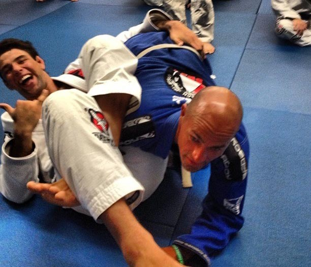 Kelly Slater i forced to tap out by Brazilian ultra heavyweight World Champion Marcus