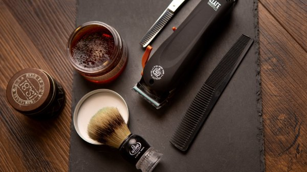 Beard clippers, comb, and grooming tools
