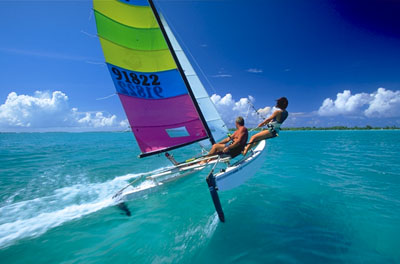 The Hobie Cat became a worldwide hit by the early 70s, making sailing both fun and accessible.