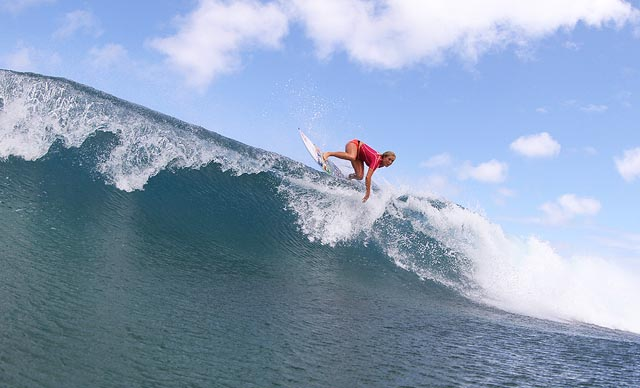 Shark Attack Survivor Bethany Hamilton Wins Professional Surf Contest At Pipeline Men S Journal