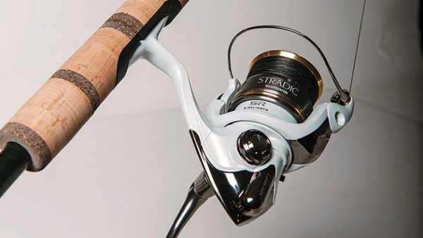 The G.Loomis GLX852C JWR is a special weapon, a rod with the range to fire a featherweight plastic to far-off fish, but no flimsy noodle. It pairs ably with the Shimano Stradic FJ 3000.