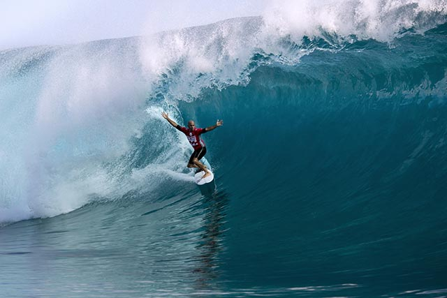Kelly Slater in round 3 of the Billabong Pro Tahiti; photo courtesy ASP World Tour