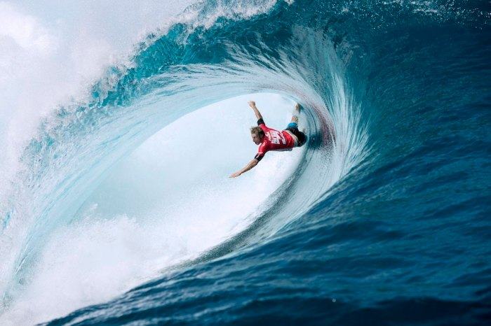 Jordy Smith wasn't the only surfer to feel the wrath of Teahupoo in this year's Billabong Pro. Here Bede Durbidge comes unstuck. Photo ASP