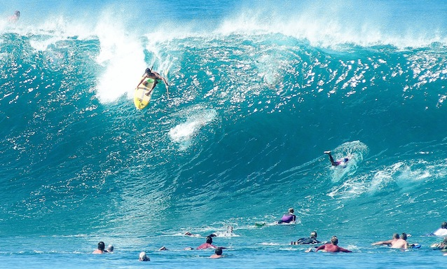 North Shore local Mo Freitas has a dig at Pipeline. Watch for him during this specialty event. Photo: Waterman League