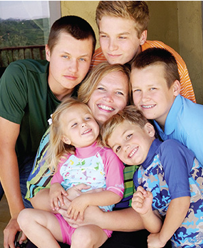 UV Skinz has a stylish selection of sun protection garments for the whole family.