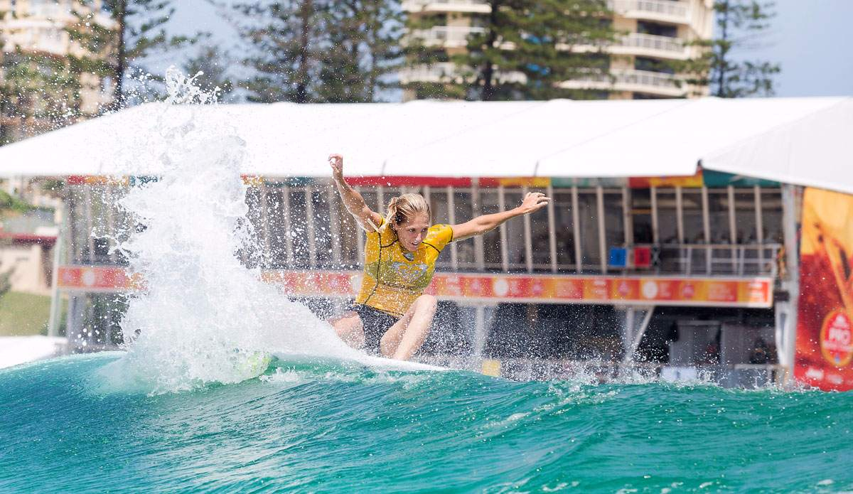 Steph Gilmore competing on the Gold Coast. Photo by WSL/Cestari