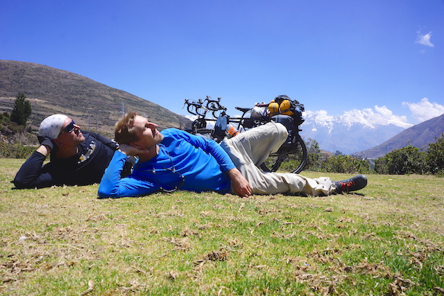 The brothers pause for a Moment of reflection on the route from Ayacucho to Huancayo. Photo. Dominik Dabrowski.