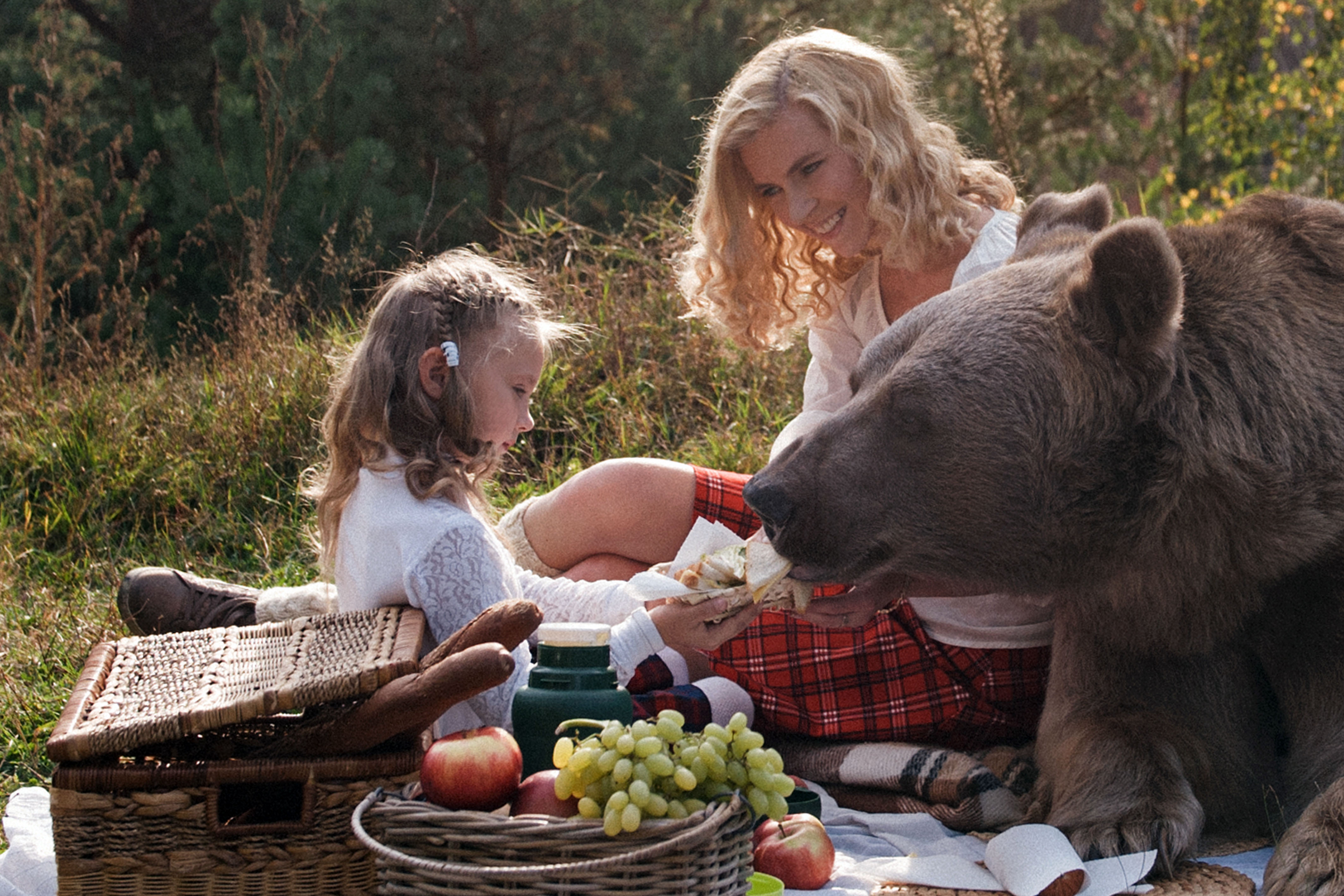 Nothing like sharing a picnic with a grizzly bear.