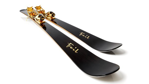 Foil gold-plated skis