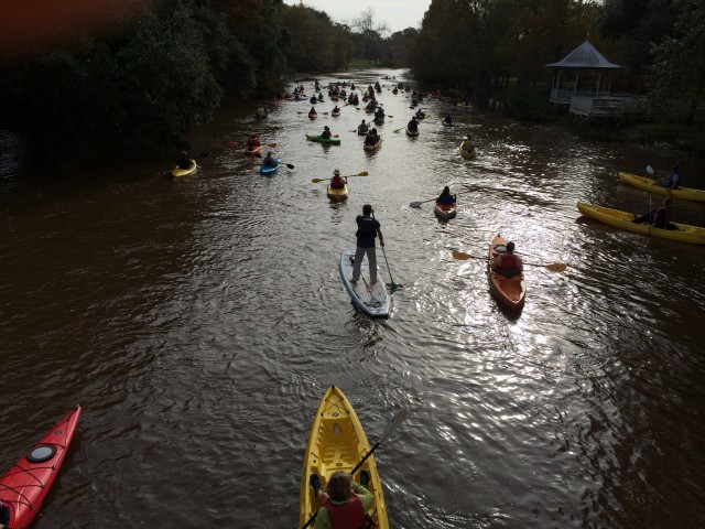 Paddlers taking in the sights of Cajun Country. Image courtesy of Conni Castille.