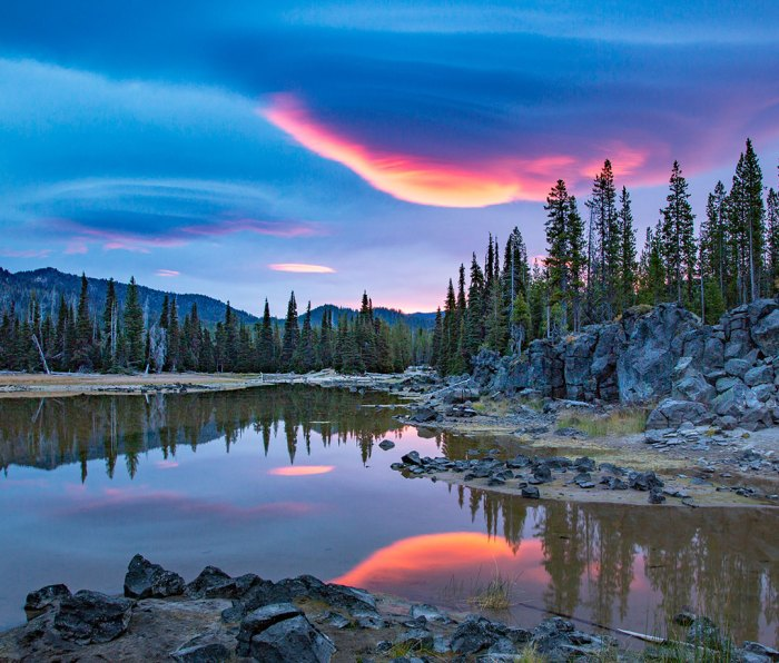 Sparks Lake, OR, in the Cascade Mountains near Bend