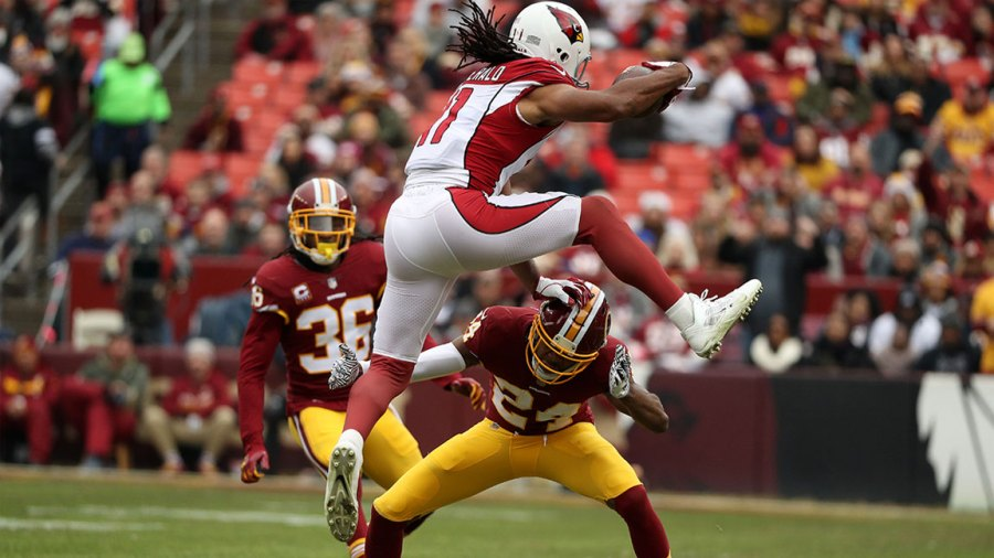 Larry receiver Larry Fitzgerald of the Arizona Cardinals is playing in the # 11 NFL game.