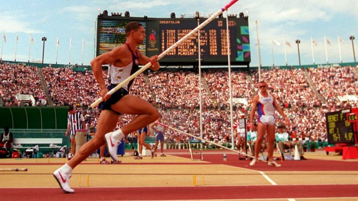 OLYMPICS, ATLANTA, USA O'BRIEN Dan O'Brien of the United States is in mid run-up during the pole vault discipline of the decathlon at the 1996 Summer Olympic Games in Atlanta 1 Aug 1996 Image ID: 6523297k Featured in: OLYMPICS, ATLANTA, USA Photo Credit: Eric Draper/AP/Shutterstock