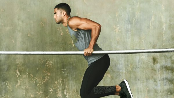 Dips on parallel bars