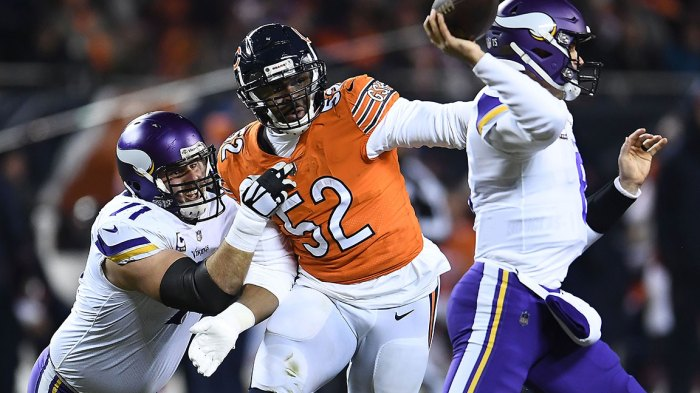 Khalil Mack #52 of the Chicago Bears works against Riley Reiff #71 of the Minnesota Vikings during a game at Soldier Field on November 18, 2018 in Chicago, Illinois. The Bears defeated the Vikings 25-20. (Photo by Stacy Revere/Getty Images)