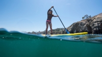 caitlin-looby-paddleboarding-in-la-jolla-cove