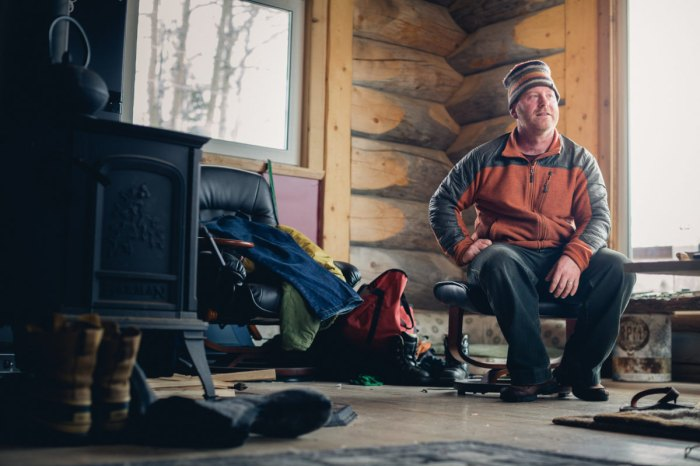 off-grid off-grid living thompson pass skiing