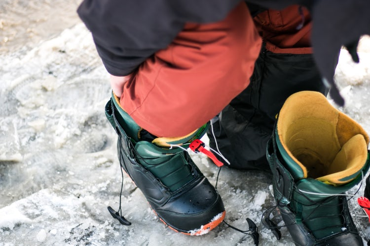 How to take care of snowboard
