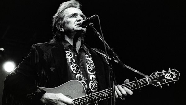 Johnny Cash of The Highwaymen performs on stage, Ahoy, Rotterdam, 20th April 1992. (Photo by Rob Verhorst/Redferns)