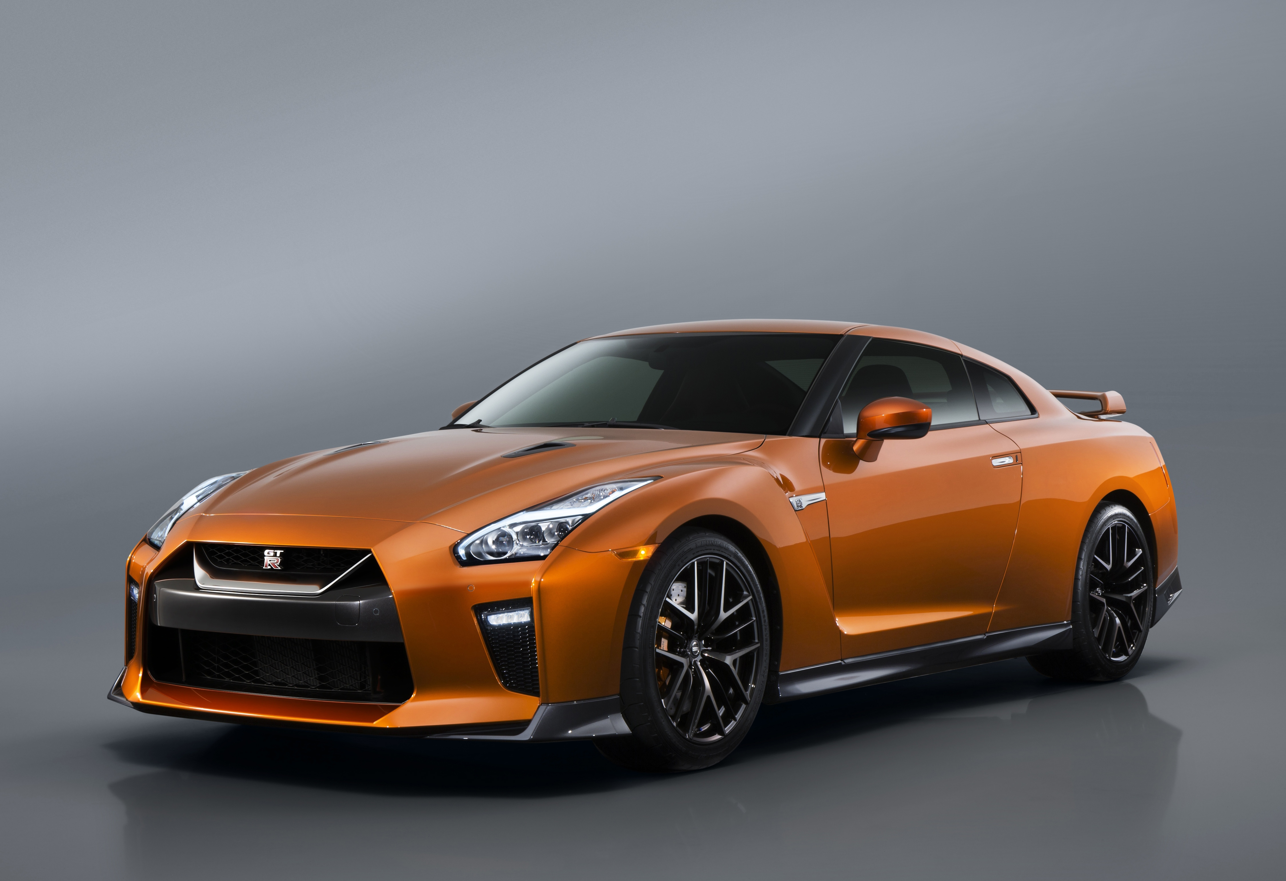 Sports And Performance: Nissan GT R