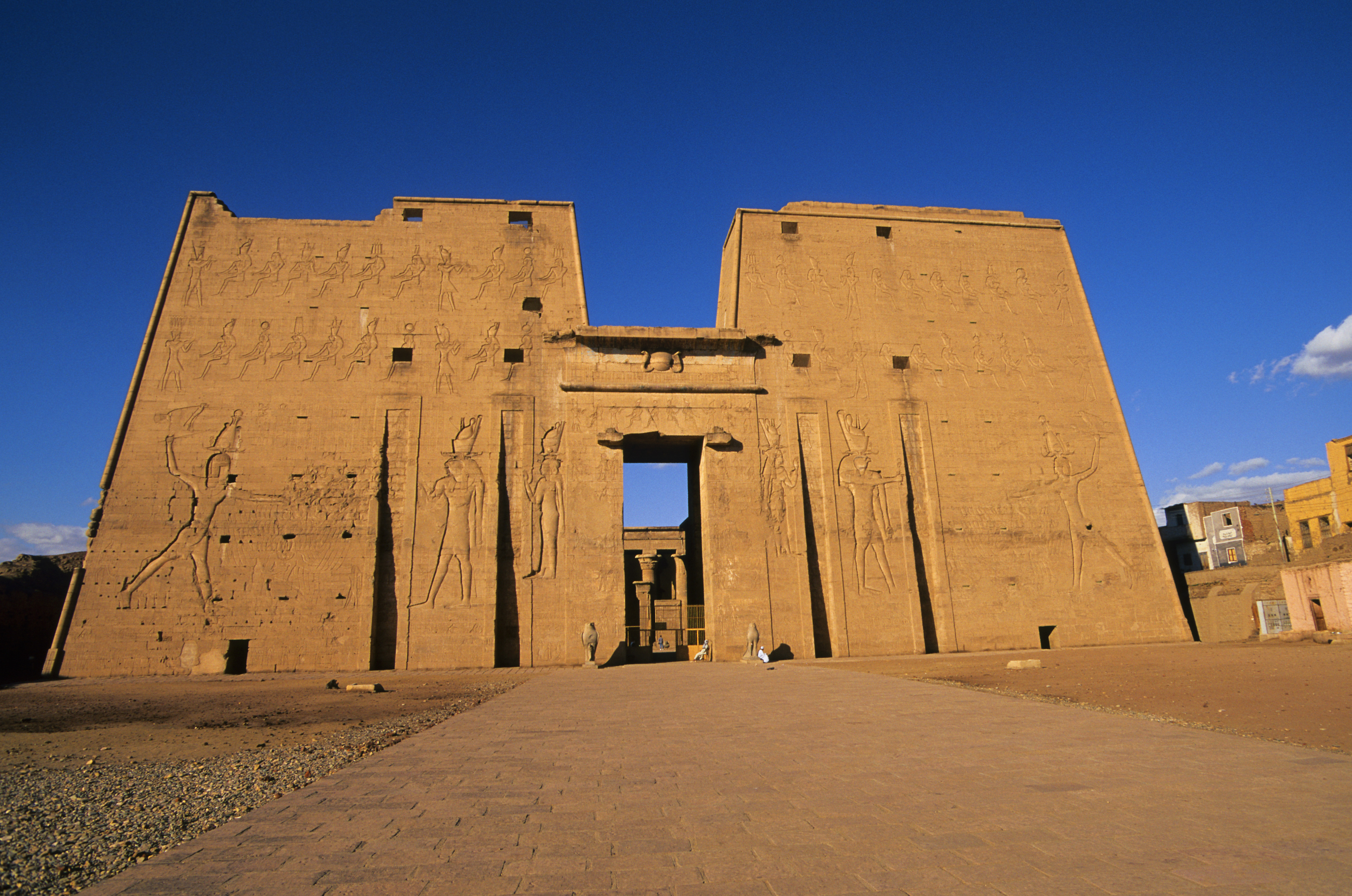 Evidence of Beer-making Found in Epic Ancient Egyptian Ruins