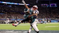 MINNEAPOLIS, MN - FEBRUARY 04: Alshon Jeffery #17 of the Philadelphia Eagles catches a 34 yard pass, over Eric Rowe #25 of the New England Patriots, for a touchdown during the first quarter in Super Bowl LII at U.S. Bank Stadium on February 4, 2018 in Minneapolis, Minnesota.