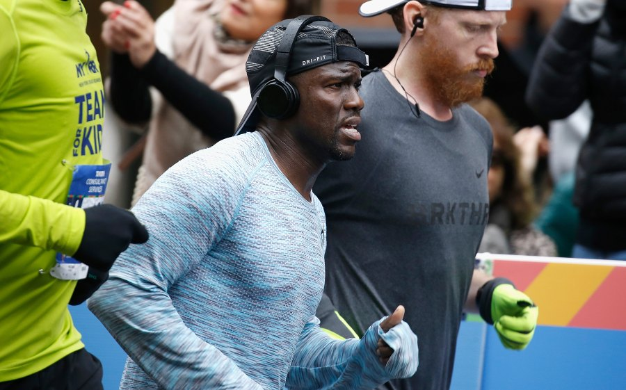 Kevin Hart seen running at mile 17 during the 2017 TCS New York City Marathon .