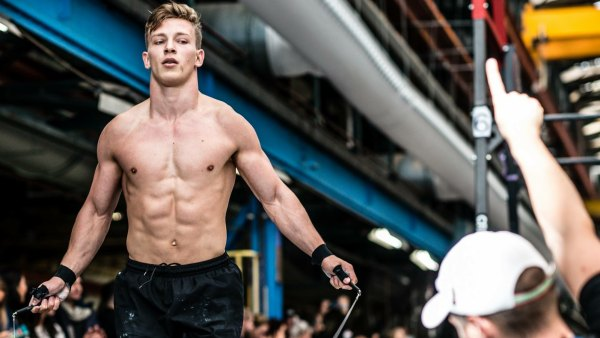 Vegan CrossFitter Jeremy Reijnders in competition.