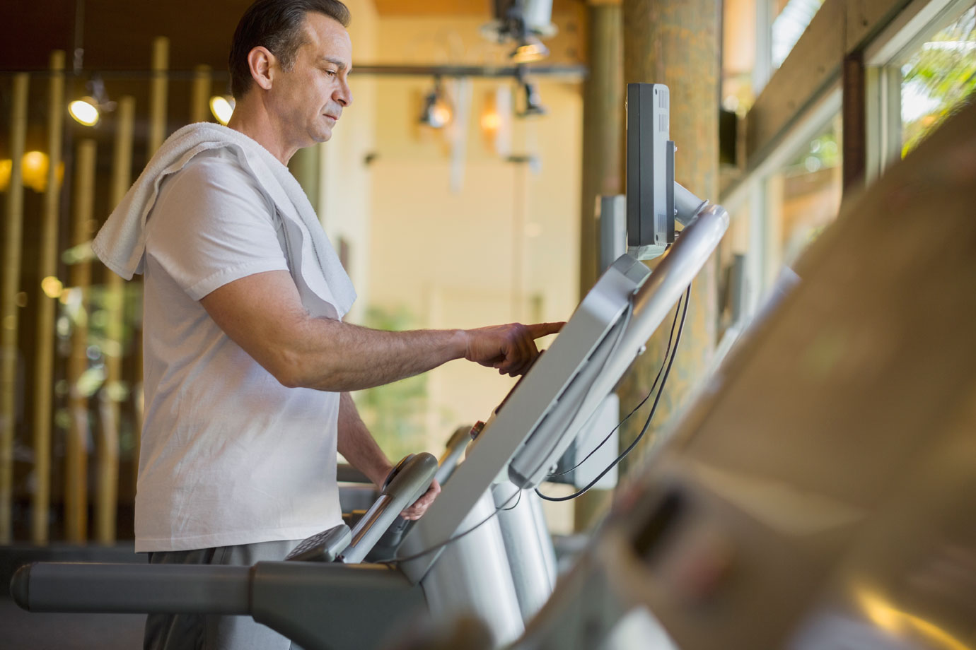 How Middled-aged Men Can Slash Their Risk of Heart Failure By 30%