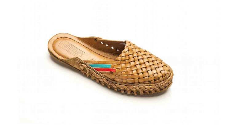 mohinders-WOMEN'S-CITY-SLIPPER---WOVEN-in-Natural
