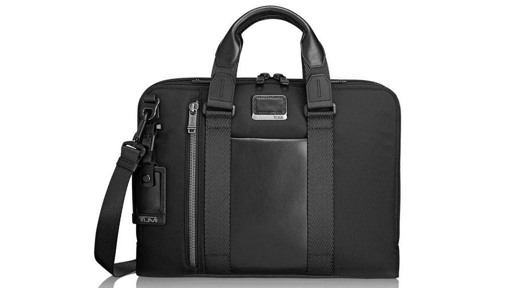 12 Laptop Bags You Can Trust With Your Life—and Your Computer cd388e27bee65