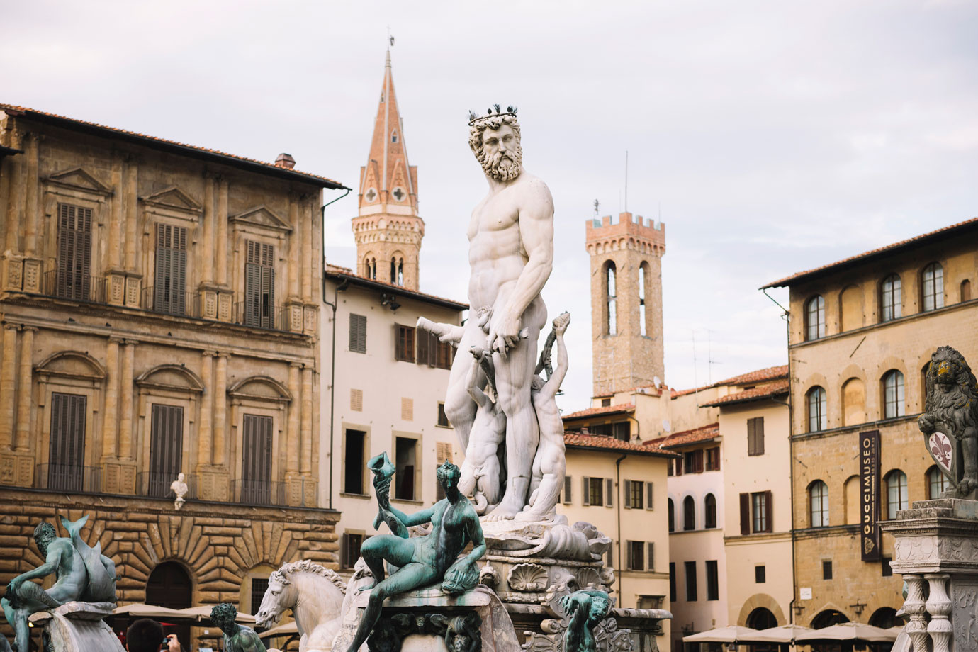 Florence Travel Guide: The Fountain of Neptune