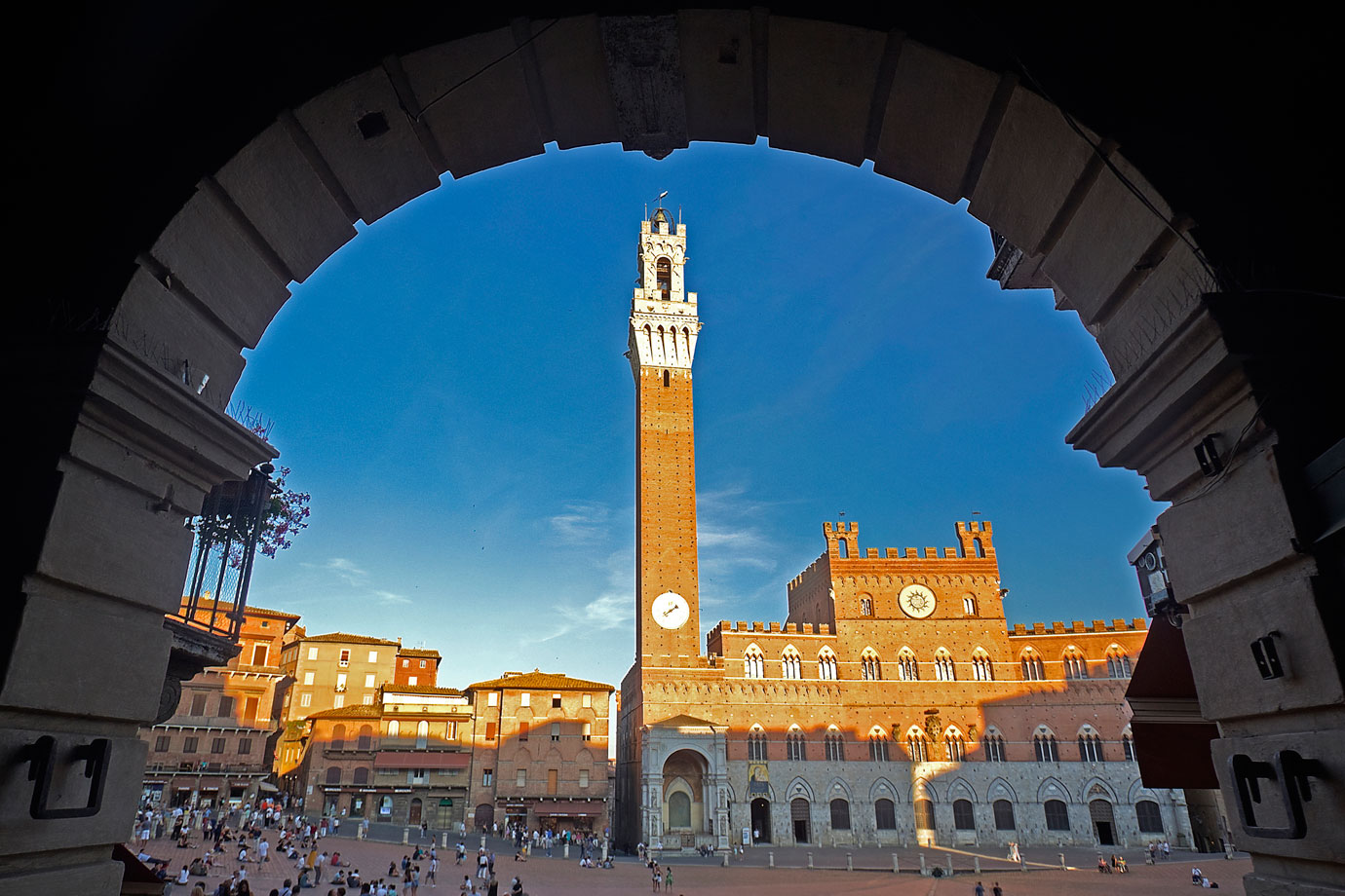 Florence Travel Guide: Siena's Piazza del Campo
