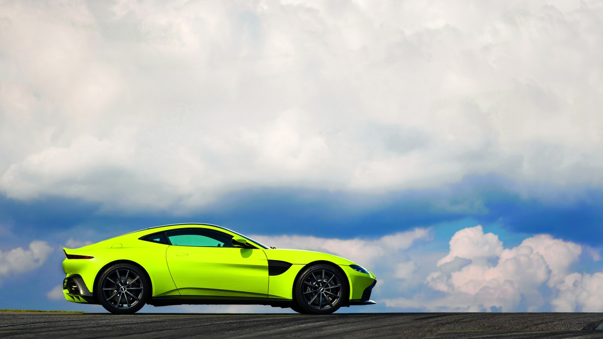 Everything You Need To Know About The Aston Martin Vantage - Aston martin vantage