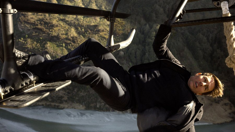 Tom Cruise performs helicopter stunt in Mission: Impossible - Fallout