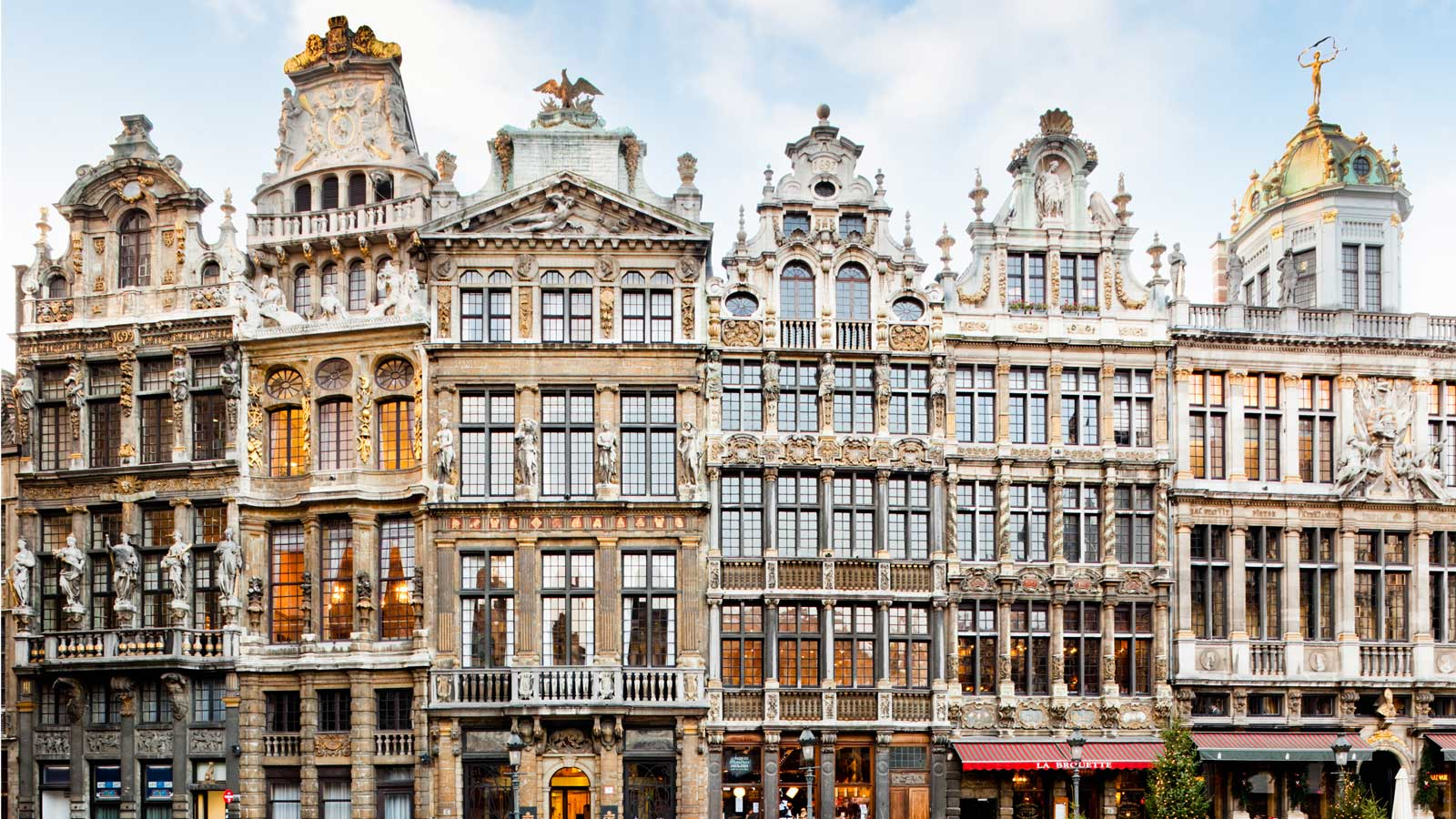 Gilded Palaces, Belgian Waffles, and Crude Statues: The 4-Day Weekend in Brussels