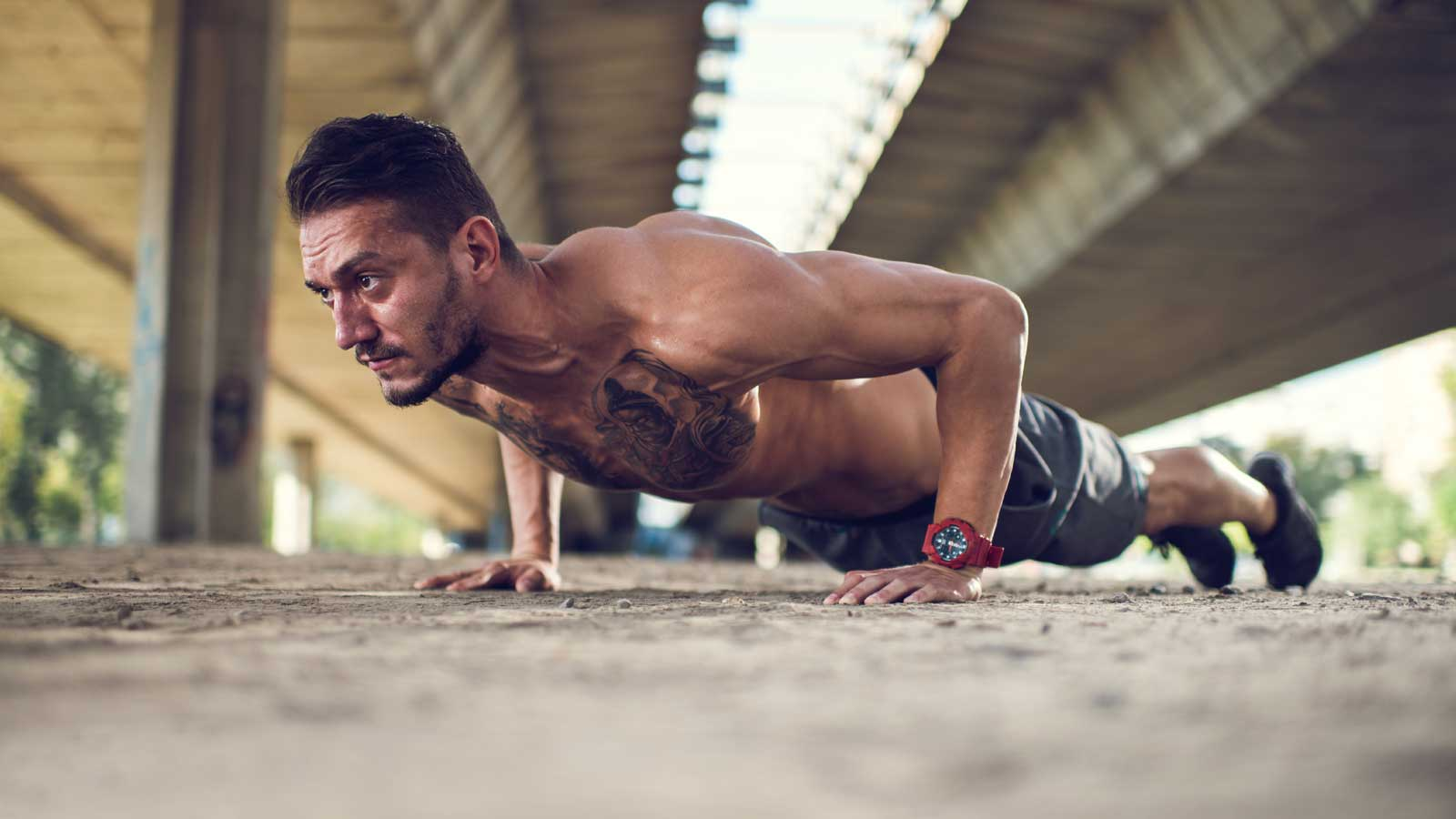 The Best 20-Minute Bodyweight Back Workout for Busy Guys