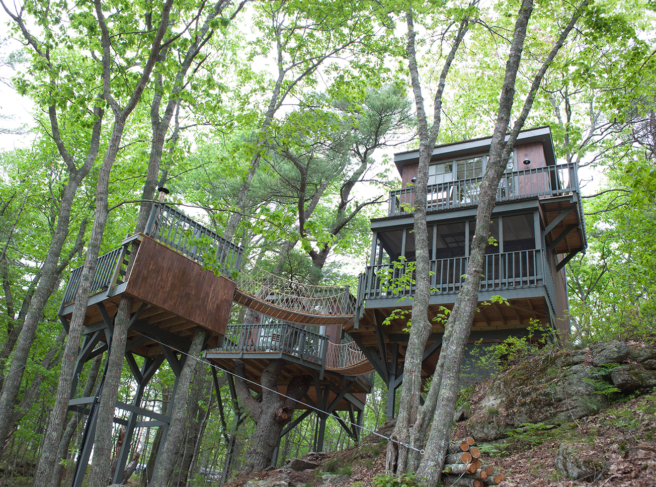 10 Airbnbs That Give You Fantastic Views of Fall Foliage