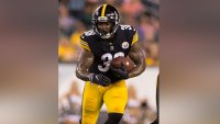 Jaylen Samuels #38 of the Pittsburgh Steelers runs the ball during the preseason game against the Philadelphia Eagles at Lincoln Financial Field on August 9, 2018 in Philadelphia, Pennsylvania. (Photo by Mitchell Leff/Getty Images)