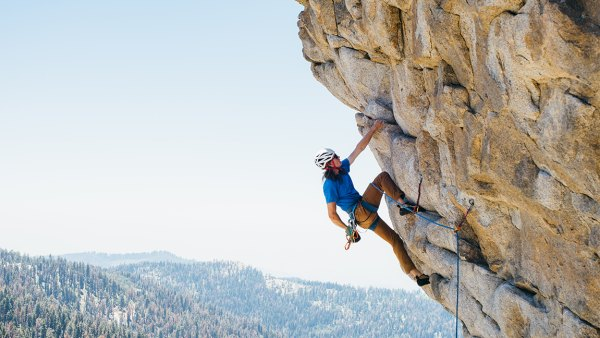 Man rock climbing, Buck Rock, California, America, USA