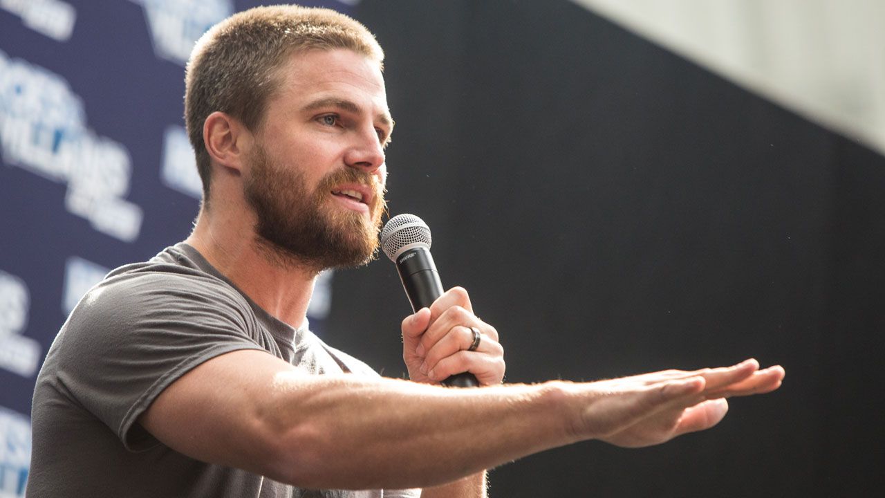 Here's How Stephen Amell Stays Ripped For Arrow'