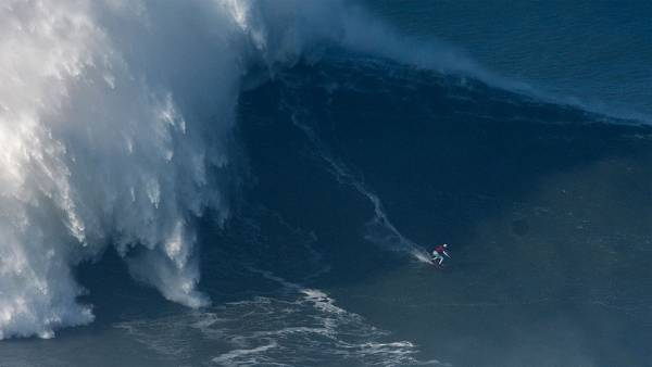 Brazilian big wave surfer Maya Gabeira, drops a wave during a surf session at Praia do Norte on January 18, 2018 in Nazare, Portugal. (Photo by Octavio Passos/Getty Images)