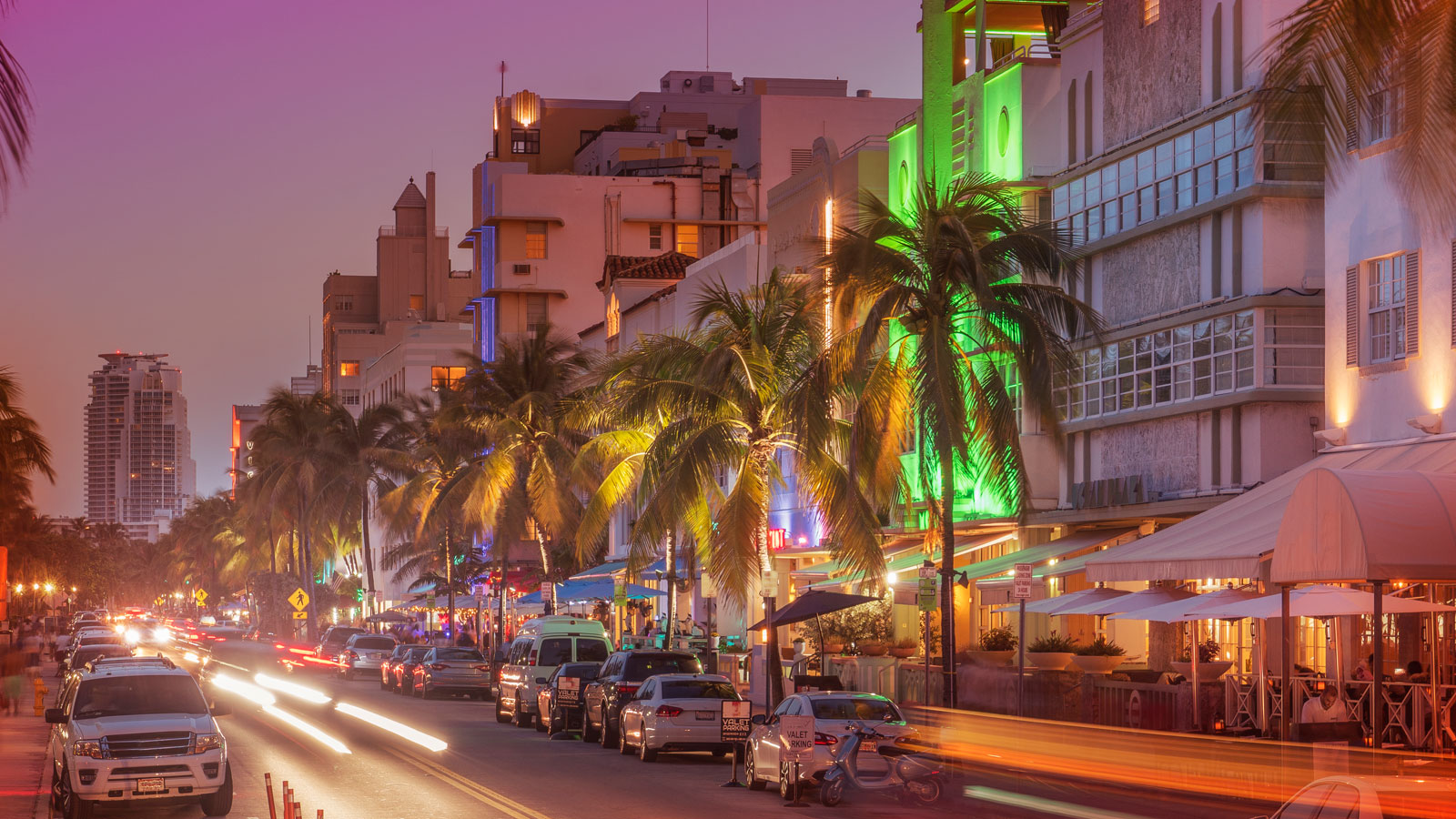 Cabanas, Cold Brews, and Cocktail Crawls: The 4-day Weekend in Miami, Florida