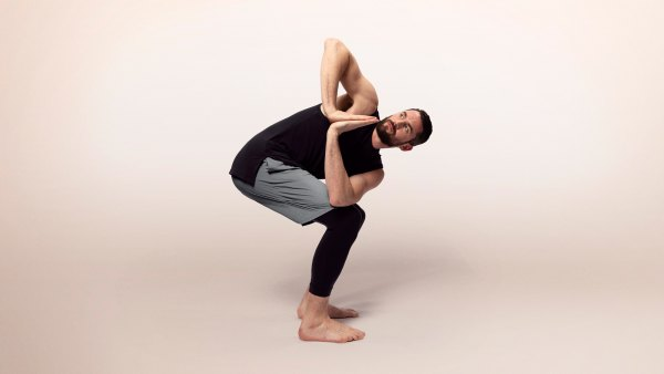 Kevin Love wearing Nike's yoga collection