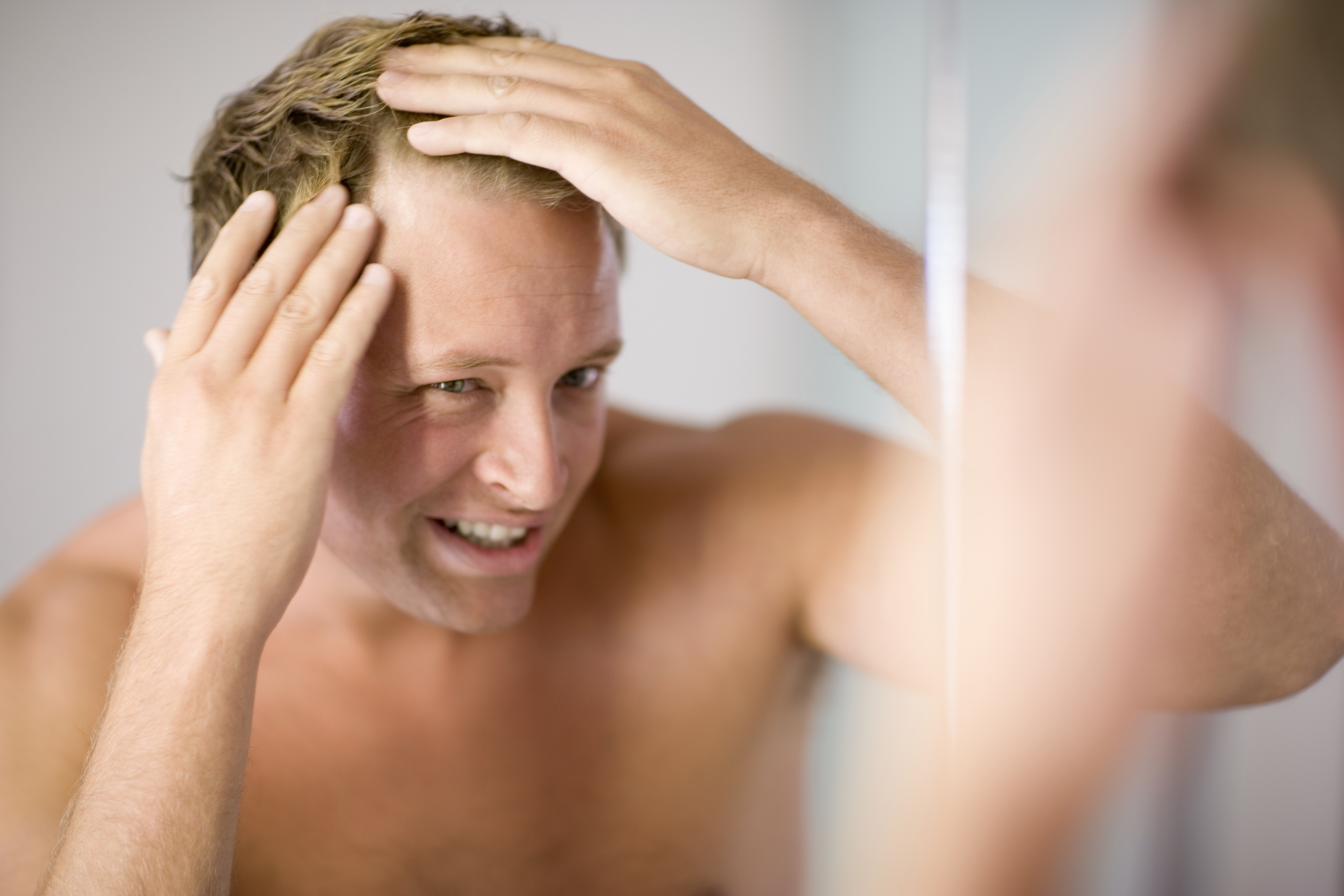 This Dermatologist-Formulated Treatment Helps Fight Thinning Hair at the Source