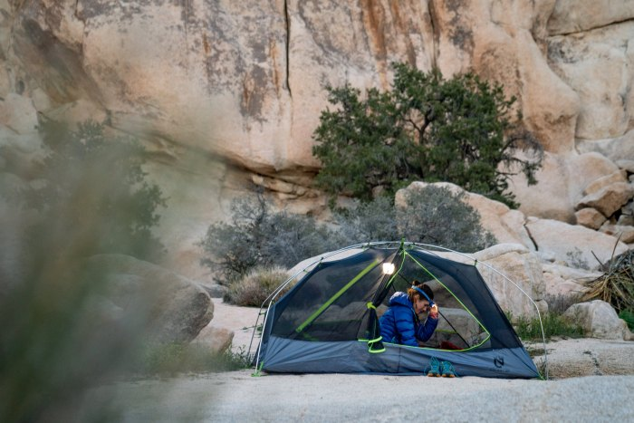 Packlist The Backpacking Gear We Took For A Night Of Desert Winter Camping Men S Journal