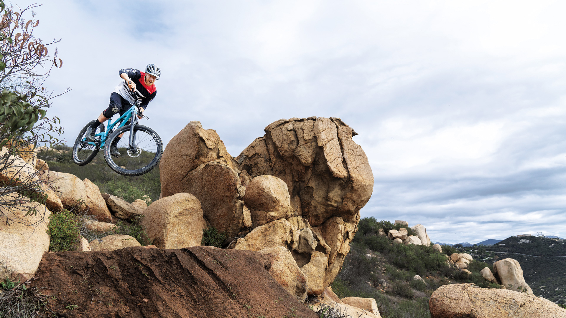 The Best New Mountain Bikes of 2019 Are Killer Climbers
