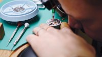 The Right Time to Buy a Pre-Owned Luxury Watch Online